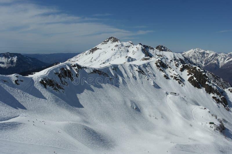 Montagne de neige, ski, paysage d'hiver, Sotchi, Russie photo libre de droits