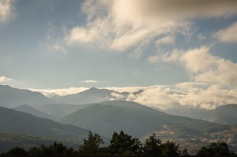 Montagne de parc naturel de Palencia Fuentes Carrionas Palencia images stock