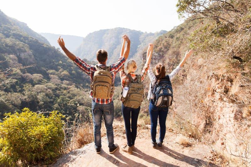 Montagne de randonneurs de groupe photo libre de droits