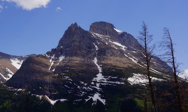 Montagne de roche rouge photo stock