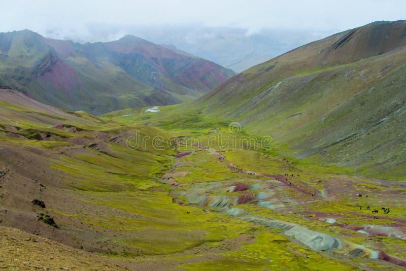 Montagne de Siete Colores près de Cuzco photos libres de droits