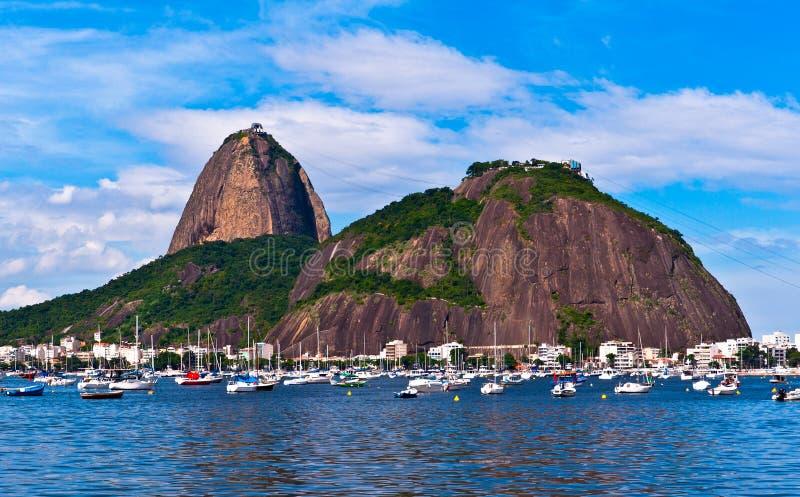 montagne de sugarloaf dans Rio de Janeiro images libres de droits