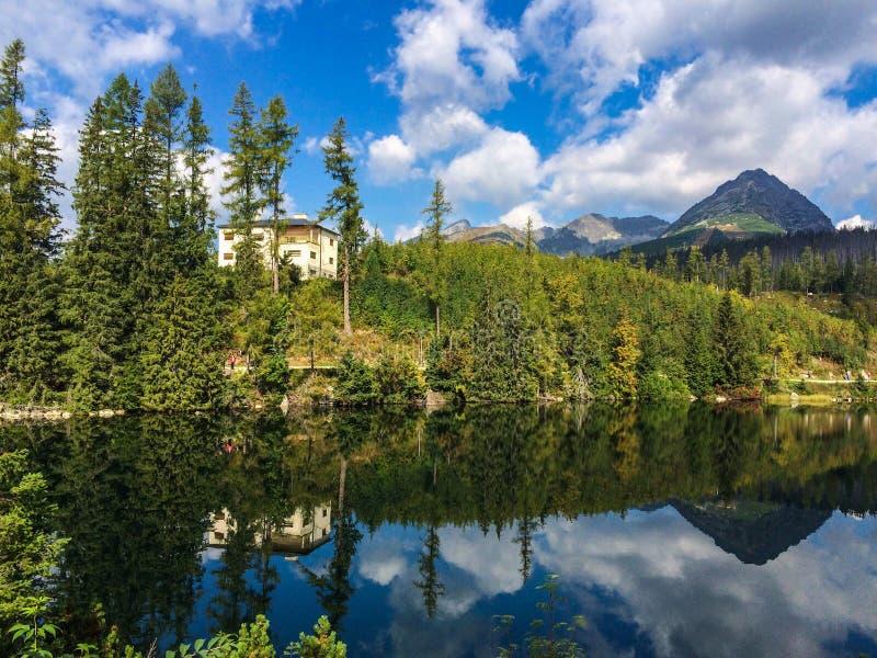 montagne de tatras en Slovaquie dans une heure d'été photo stock