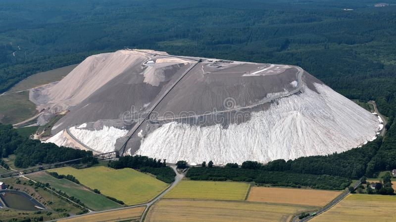 Montagne de terrains de recouvrement image libre de droits