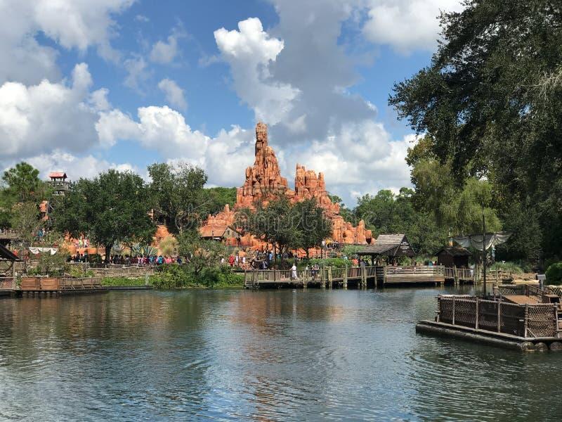 Montagne de tonnerre chez Walt Disney World image libre de droits