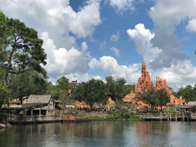 Montagne de tonnerre chez Walt Disney World photo libre de droits