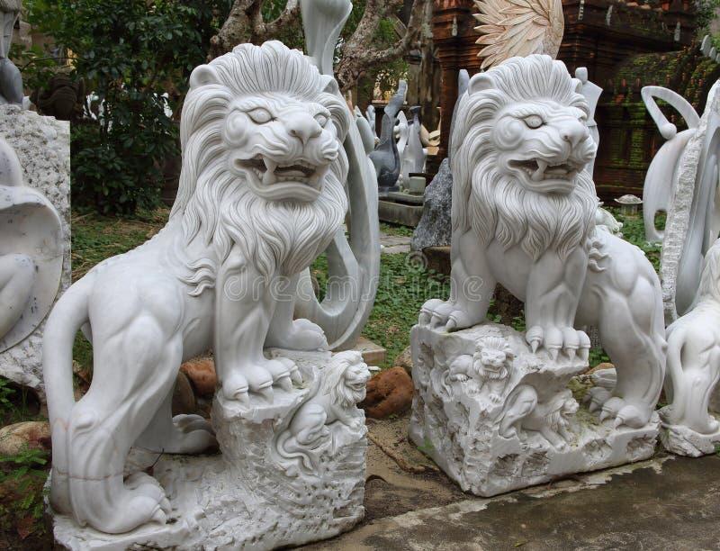 Montagne del marmo del Vietnam, Danang gennaio 2017: Negozio vietnamita tradizionale delle sculture di marmo immagine stock libera da diritti