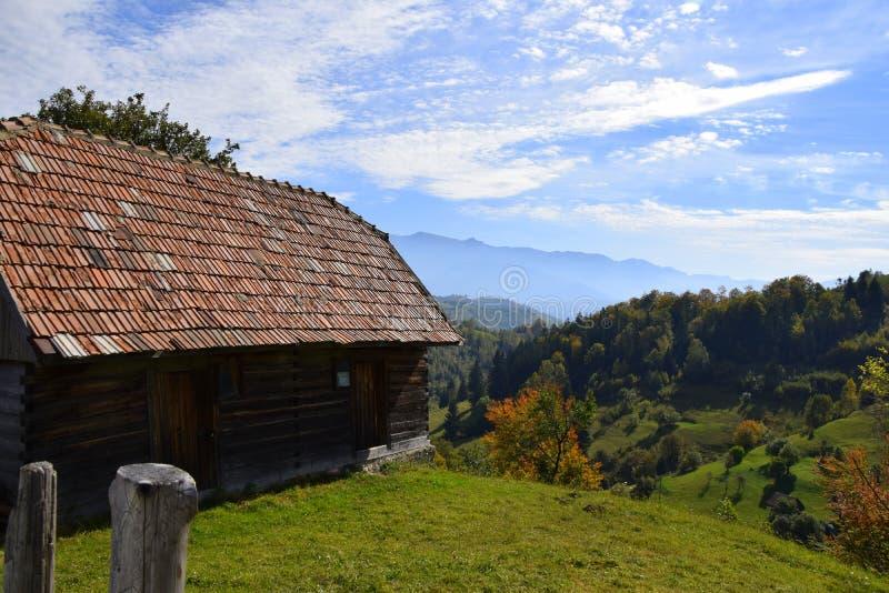 Montagne della Romania la Transilvania fotografie stock