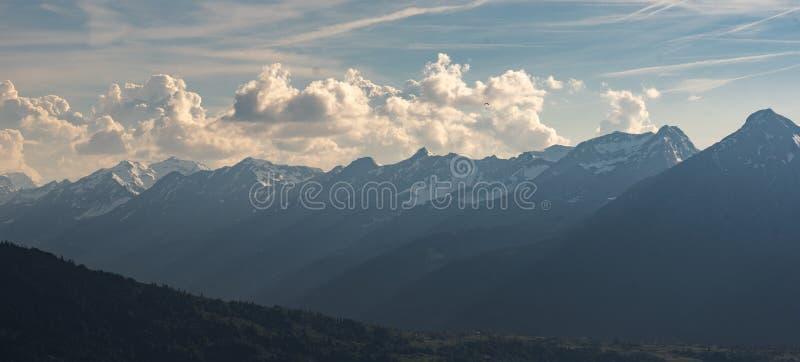 Montagne delle alpi di Bernese fotografia stock