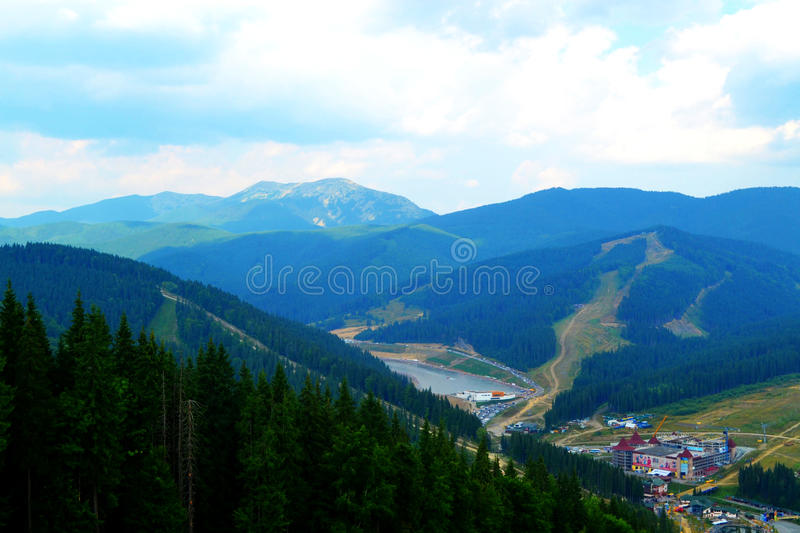 Montagne di estate, Bukovel, Ucraina di Carpathians fotografia stock