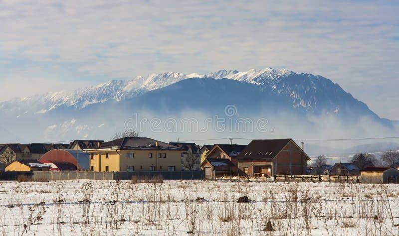 Montagne di Piatra Craiului, rumeno Carpathians immagine stock