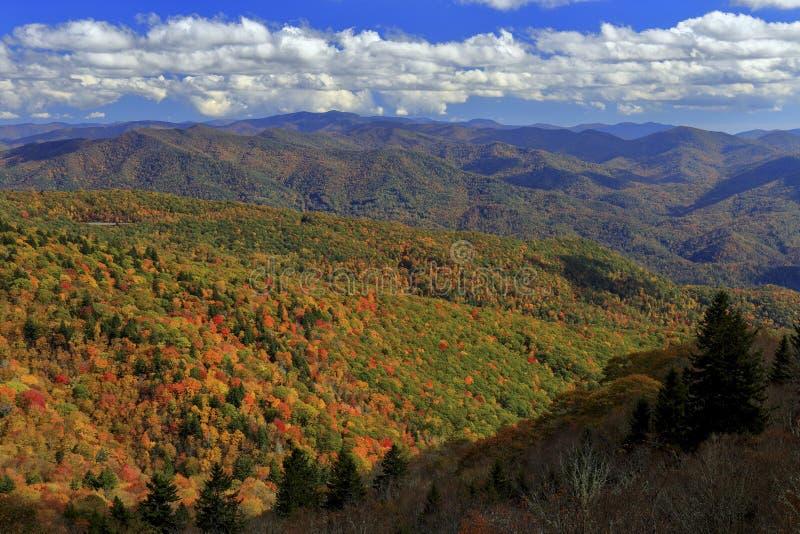 Montagne di Ridge blu in autunno fotografia stock libera da diritti