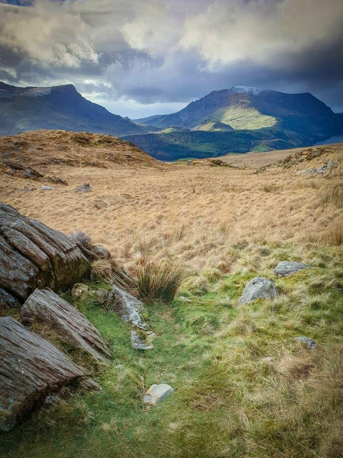 Montagne di Snowdonia della primavera fotografia stock
