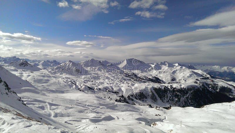 Montagne di Snowey fotografia stock