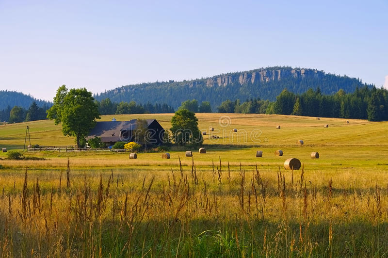 Montagne di Stolowe in Slesia fotografie stock