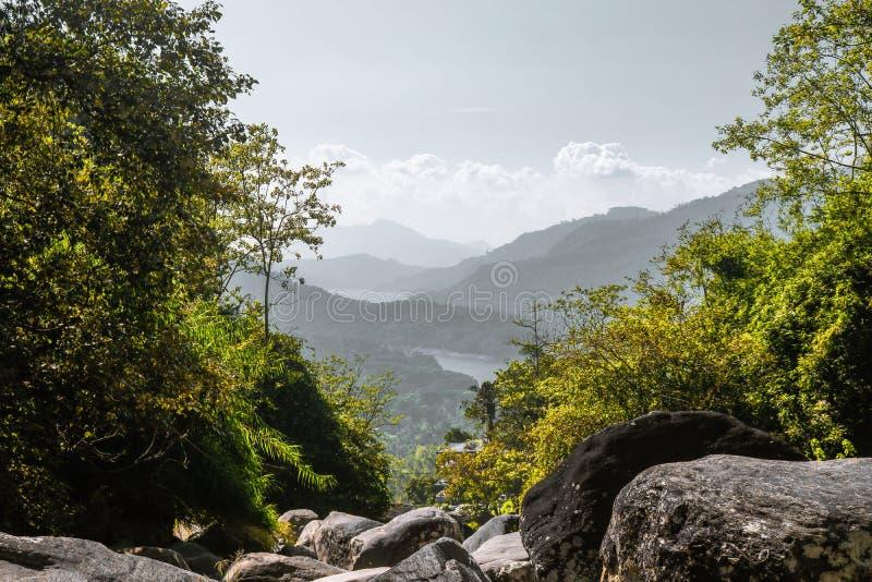 Montagne du papier peint de paysage de montagne photos libres de droits