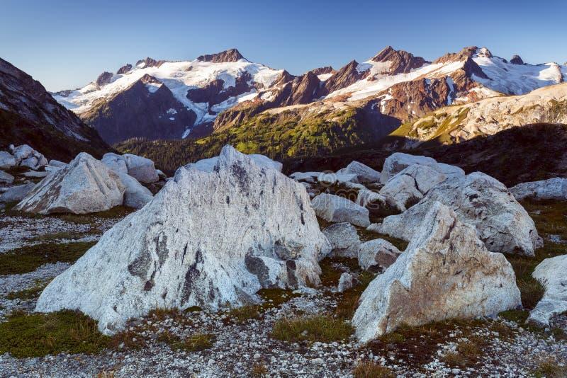 Montagne e rocce fotografia stock libera da diritti