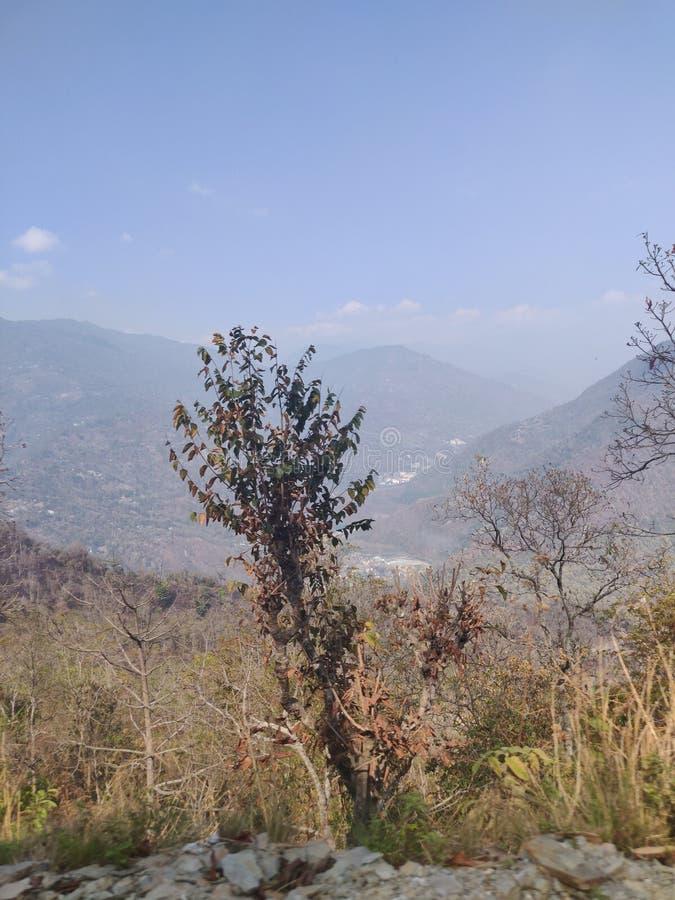 Montagne ed il cielo fotografia stock