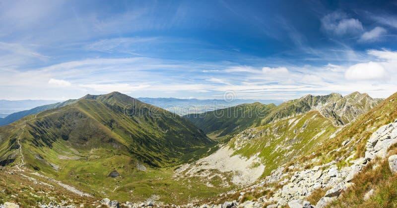 Montagne in estate fotografie stock libere da diritti