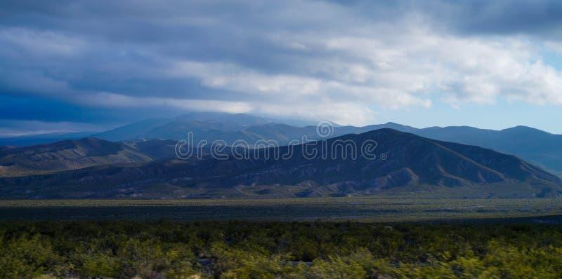 Montagne fresche fotografie stock
