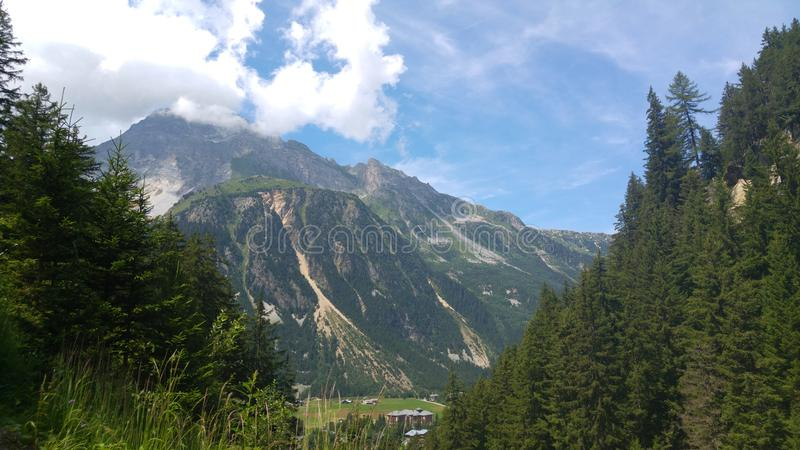 montagne italienne d'horizontal images stock