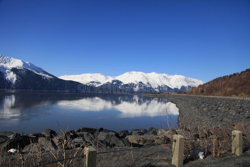 montagne, mer, terre image stock