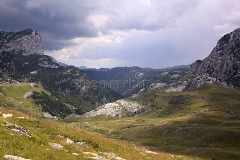 Montagne nel parco nazionale di Durmitor, Montenegro fotografie stock libere da diritti