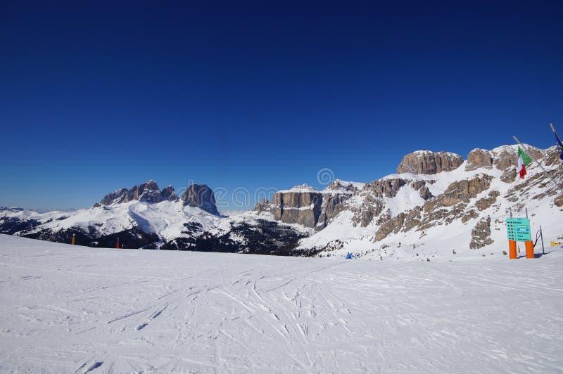 Montagne nell'inverno fotografie stock libere da diritti
