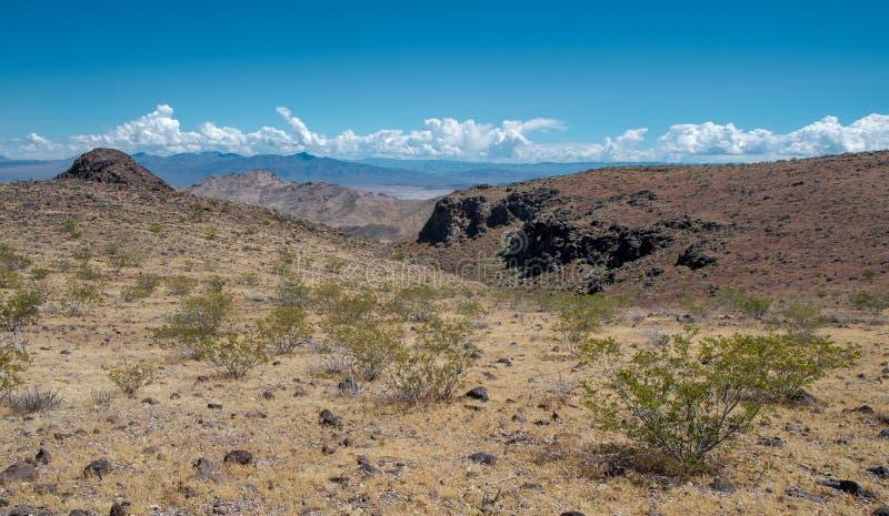 Montagne nere nel Lago Mead, Arizona fotografia stock