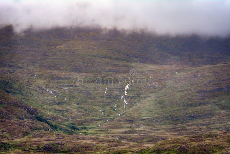 Montagne nuageuse, parc national de Killarney, Irlande images libres de droits