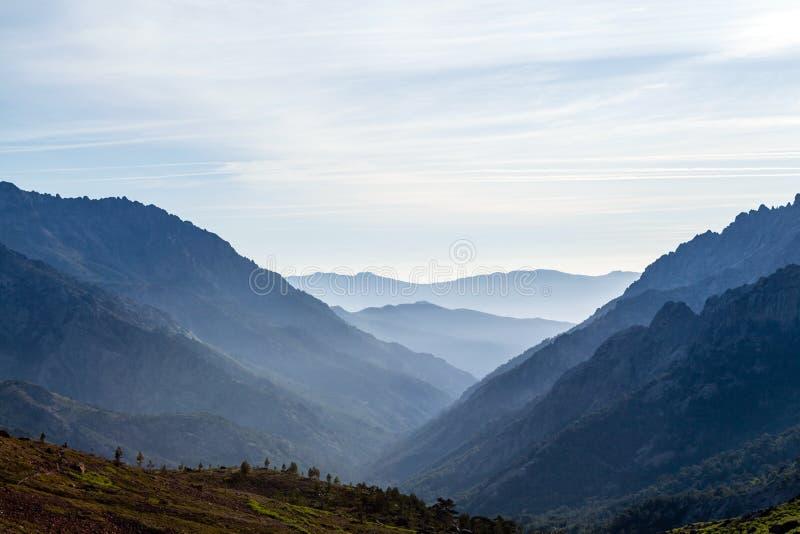 Montagne paesaggio, tramonto in Corsica fotografia stock libera da diritti