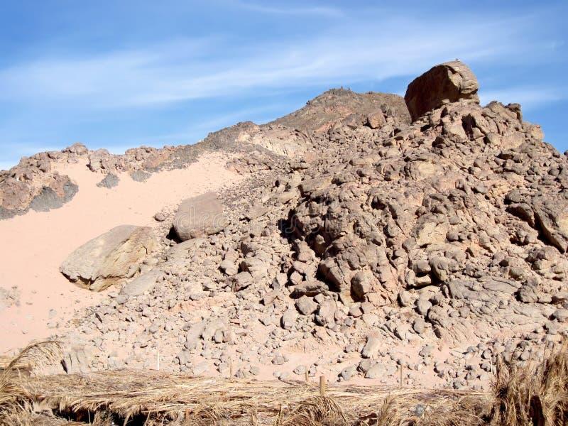 Montagne rouge sur Sinai. photo stock