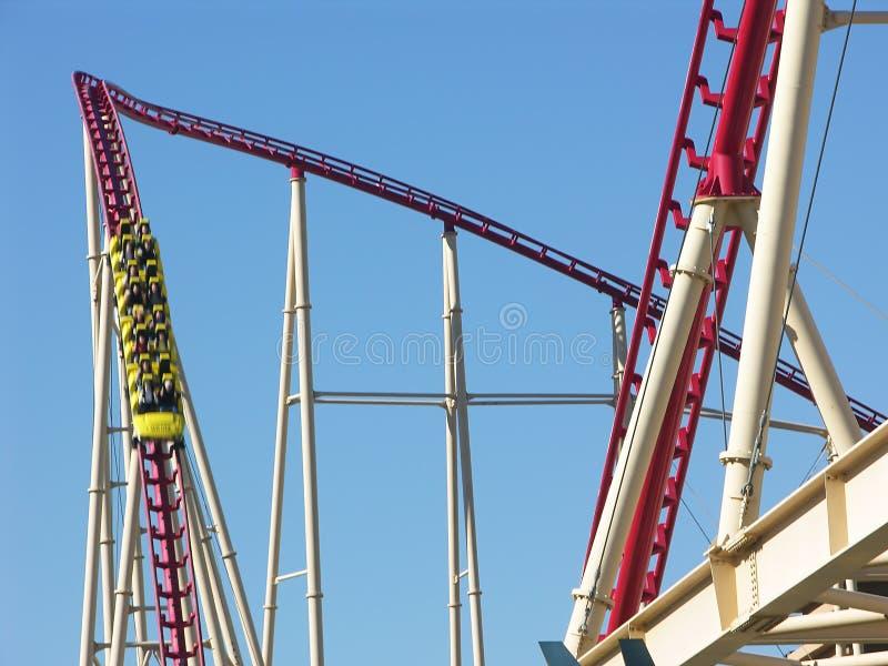 Download Montagne Russe - Andando Giù Immagine Stock - Immagine di declino, caduta: 202851