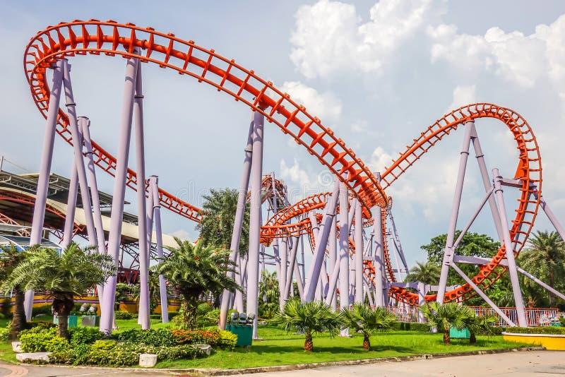 Montagne russe a Siam Park City o a SuanSiam, Bangkok, Tailandia immagini stock libere da diritti