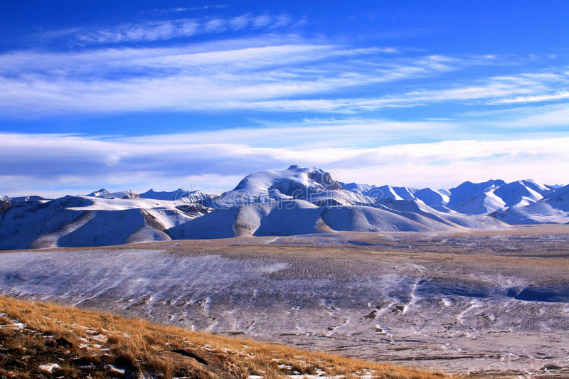 Montagne selvagge del Kirghizistan immagine stock