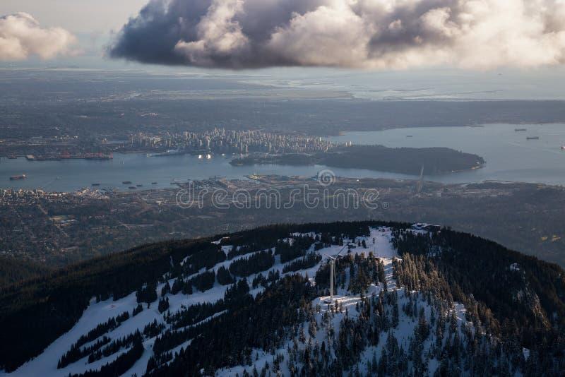 Montagne Ski Resort Aerial de grouse photographie stock libre de droits