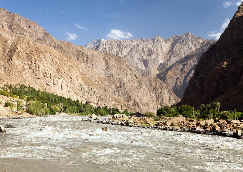 Montagne Tagikistan di Panj o del Amu Darya e di Pamir fotografie stock libere da diritti
