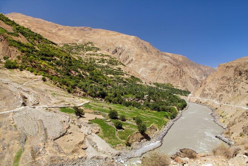 Montagne Tagikistan di Panj o del Amu Darya e di Pamir fotografia stock libera da diritti