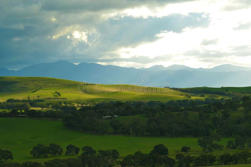 Montagne verdi di rotolamento 2 fotografia stock libera da diritti
