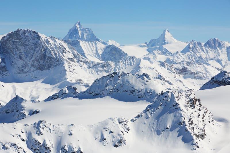 Montagnes alpestres photo stock