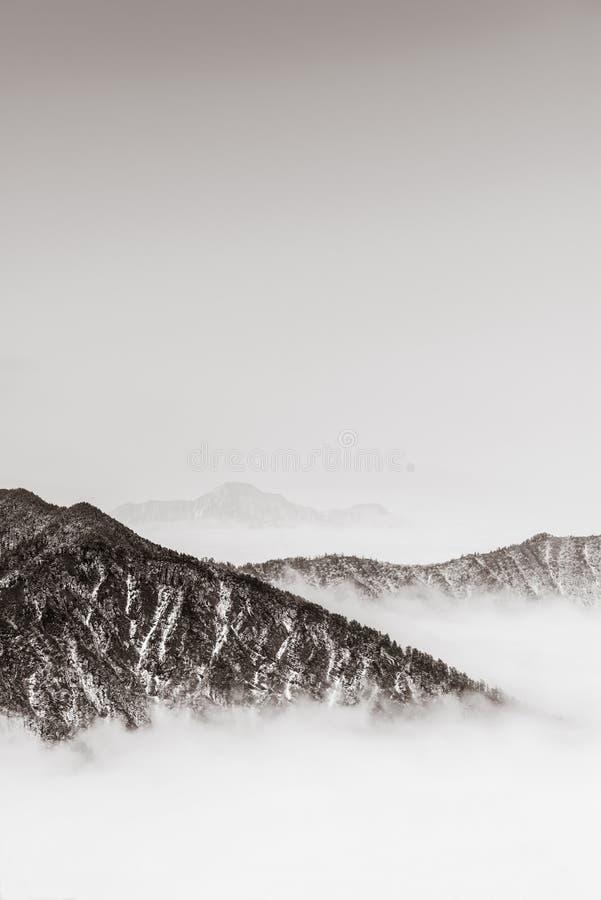montagnes avec le rétro style photo stock