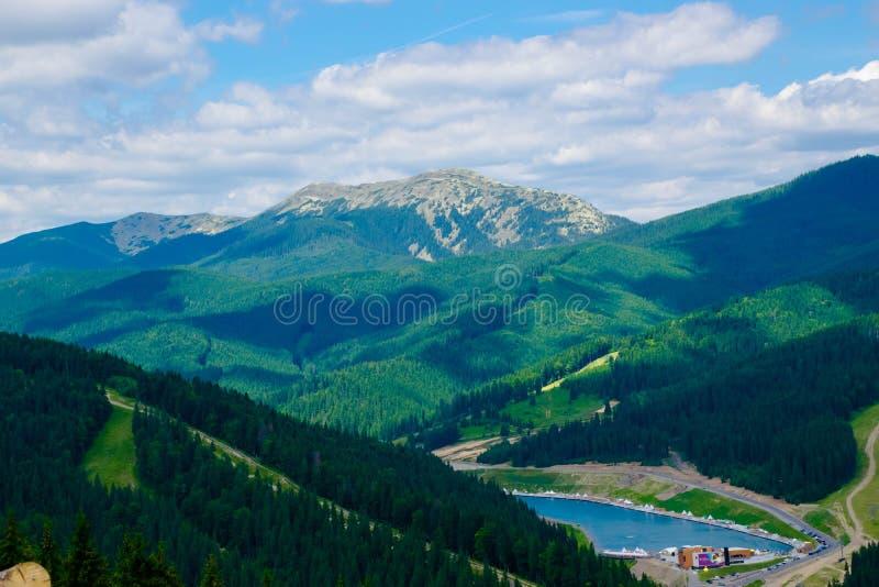 Montagnes carpathiennes, Bukovel images stock