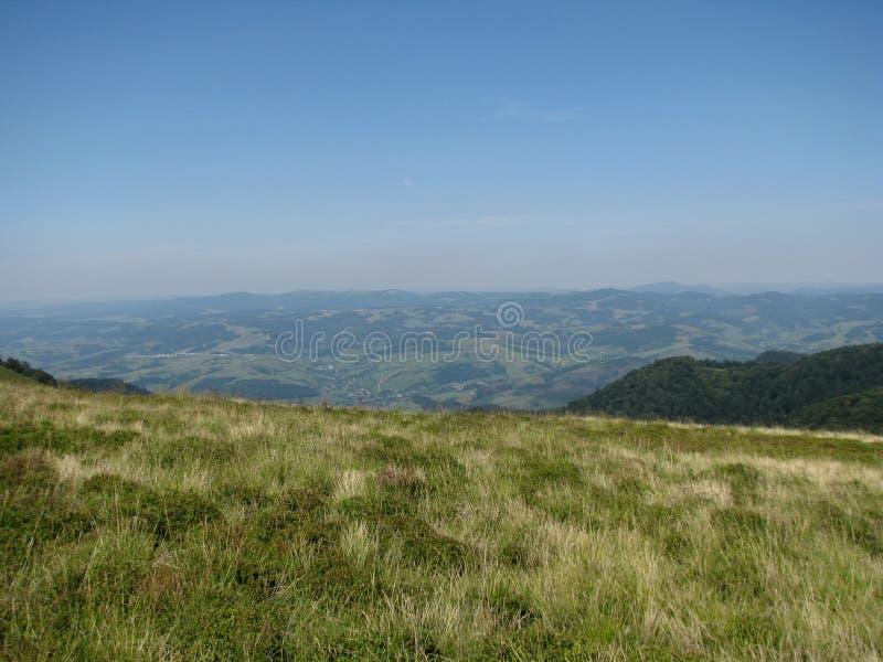 Montagnes carpathiennes en Ukraine occidentale photographie stock