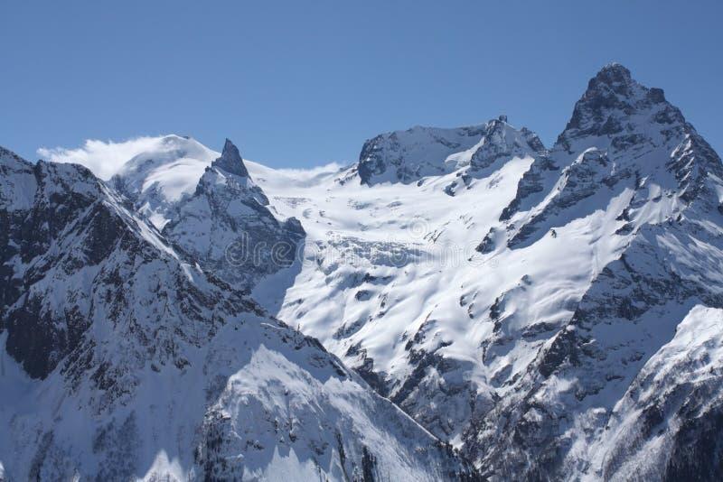 Montagnes caucasiennes photographie stock libre de droits