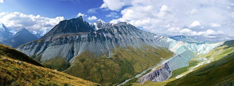 Montagnes d'Altay image stock
