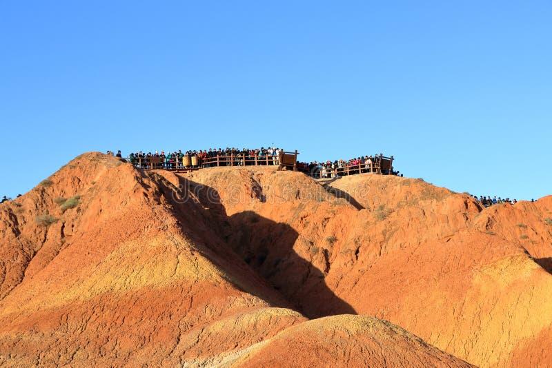 Montagnes d'arc-en-ciel, parc géologique de forme de relief de Zhangye Danxia, Gansu, Chine image stock