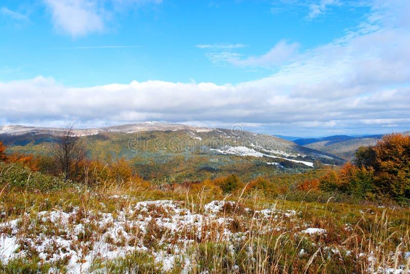 Montagnes d'automne de panorama Bieszczady poland image libre de droits