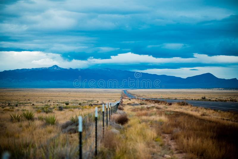 Montagnes dans la distance photo libre de droits