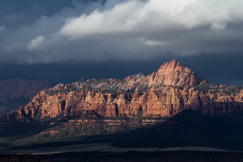 Montagnes dans Zion NP, Utah image libre de droits