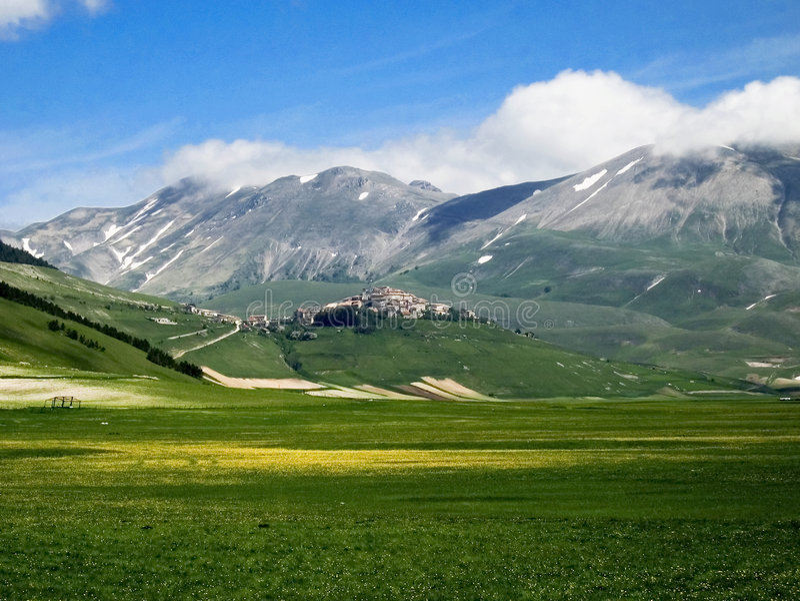 Montagnes de Castelluccio photo stock